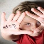هل يتعرض طفلي للتنمر ؟