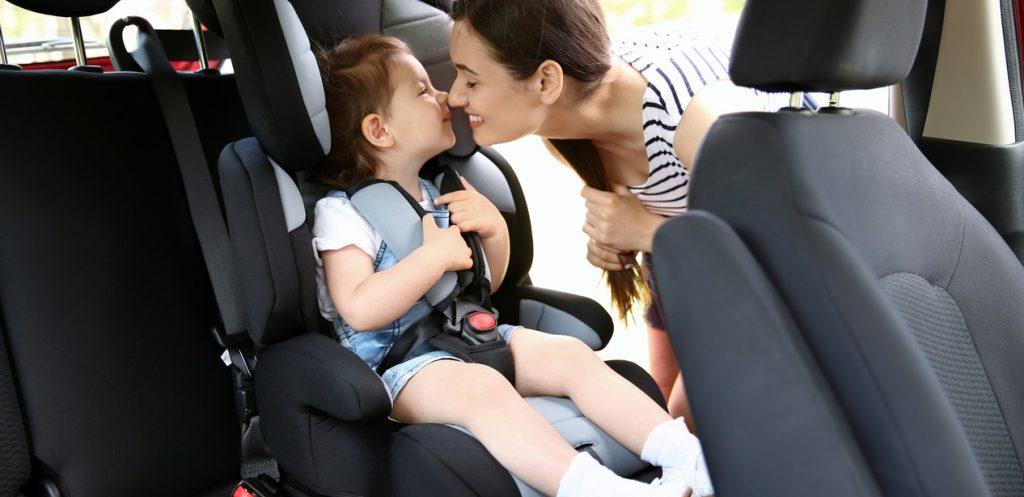 كيف تختارين كرسي السيارة المناسب لطفلك؟