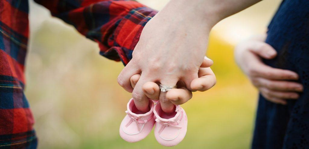حكاية أم: تجربتي مع تحديات الحمل الأول