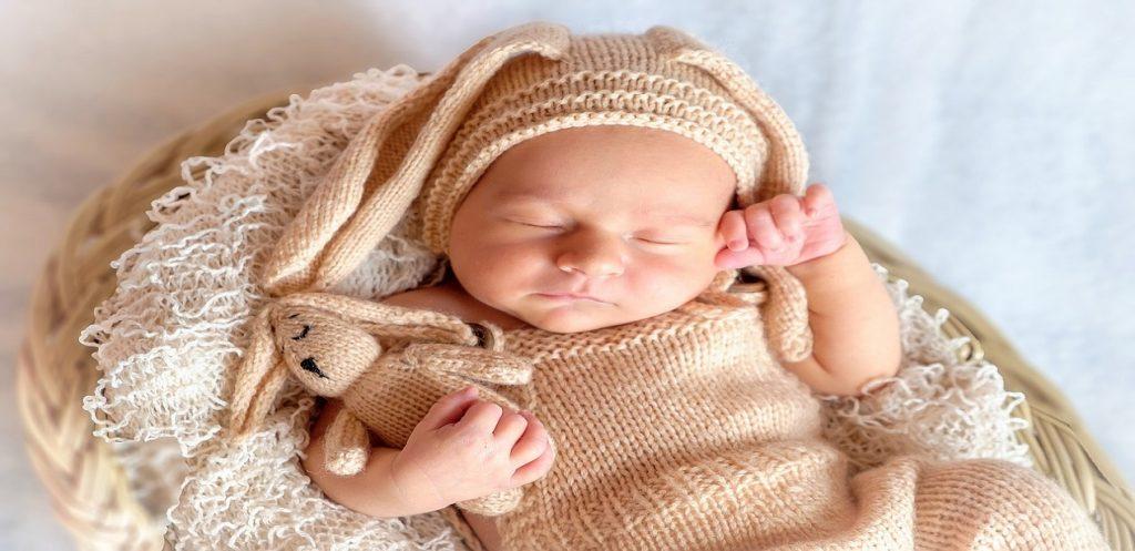 مراحل تطور الطفل من عمر 0 – 3 شهور