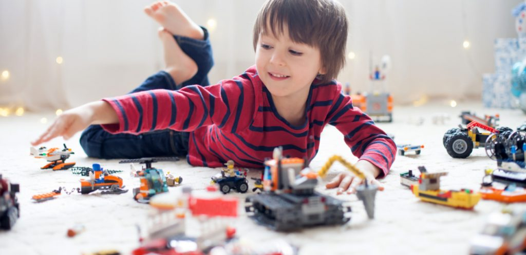 How to organize Lego toys at home