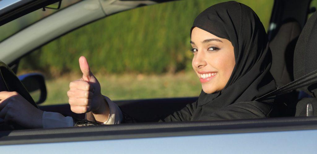 دليل قيادة المرأة للسيارة بأمان في السعودية