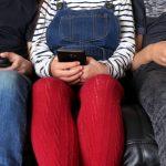 هل تبعد الشاشات أطفالنا عن محيطهم؟