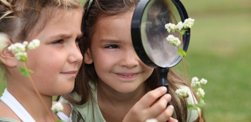 7 نشاطات بسيطة ليستمتع أطفالك بوقتهم بعيداً عن الشاشات