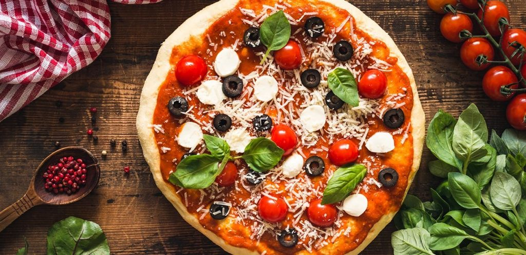 طريقة عمل بيتزا الخضروات المدرسية اللذيذة