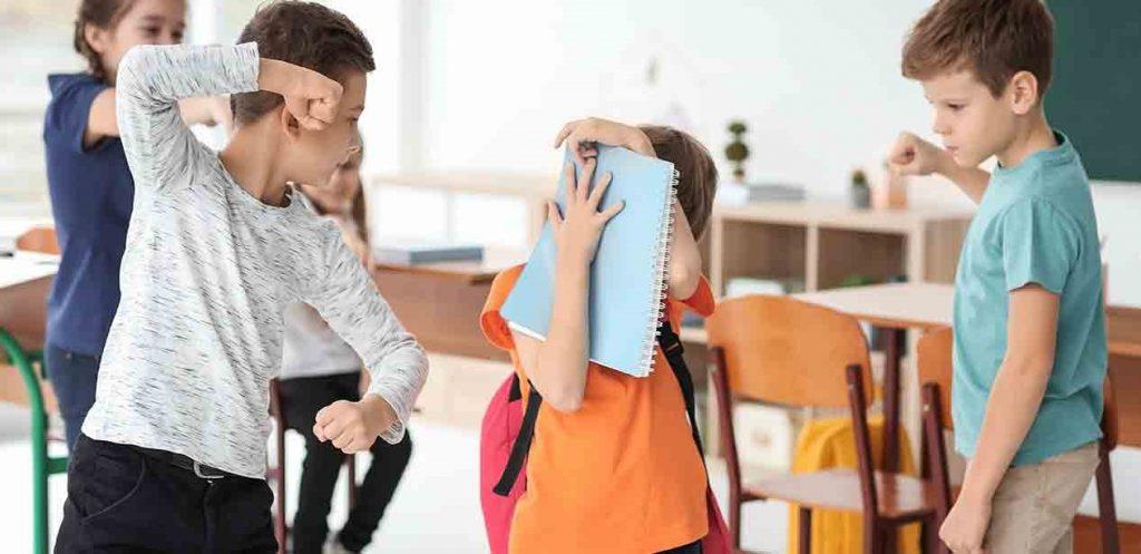 هل يمتلك طفلك خصائص المتنمرين ؟