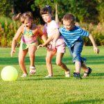 اللعب الخارجي وأثره على تطور الأطفال ذوي التحديات الذهنية