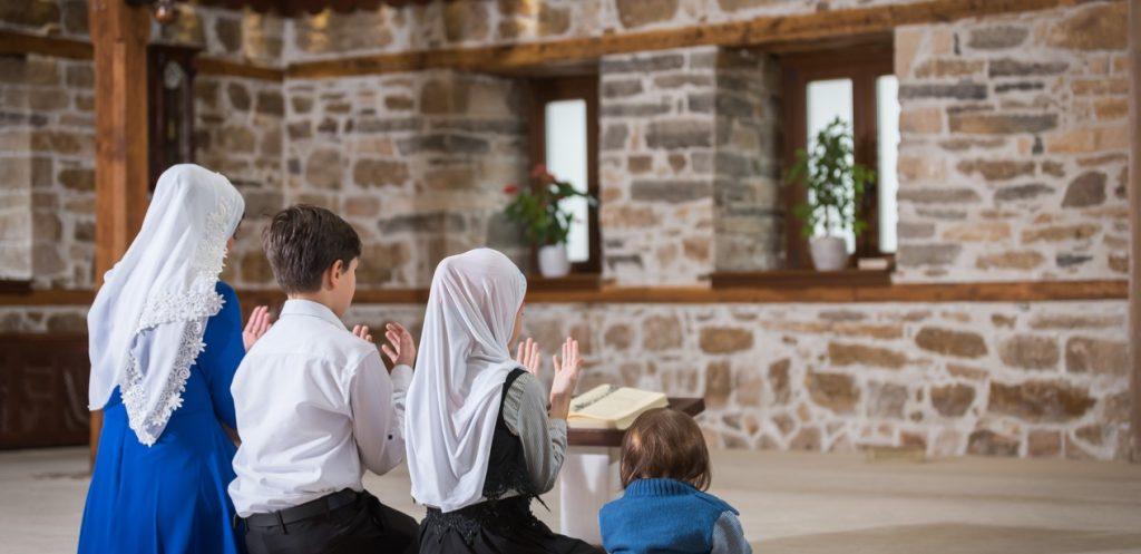 3 خطوات لتتقربي لعائلتك في رمضان (الطبخ ليس أحدها!)