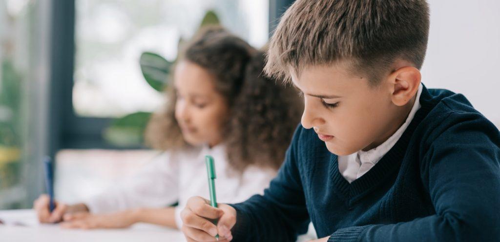 مجموعة مهارات تساعد الطفل ذو الاحتياجات الخاصة في المدرسة