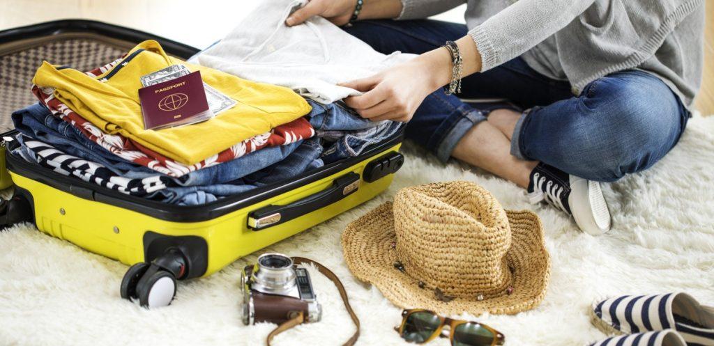 5 مستلزمات أساسية في شنطة السفر!