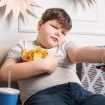 السمنة عند الأطفال: بين الأسباب وطرق التعامل معها