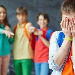 5 أمور لتناقشيها مع طفلك حول التنمر قبل العودة للمدرسة