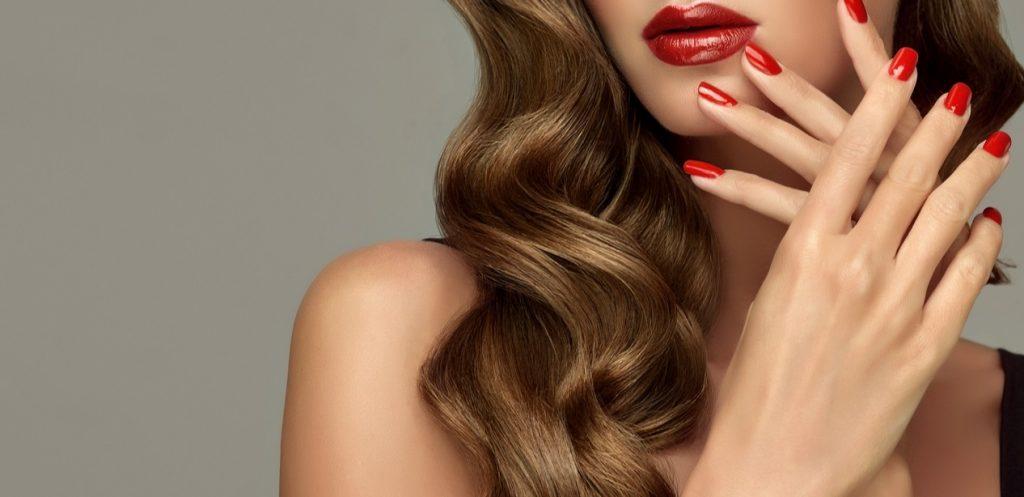دليلك للحصول على شعر طويل وأظافر قوية