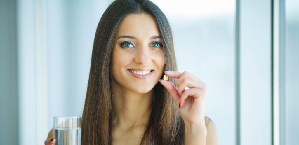 الفيتامينات والمكملات التي تساهم في صحة نفسية أفضل للمرأة