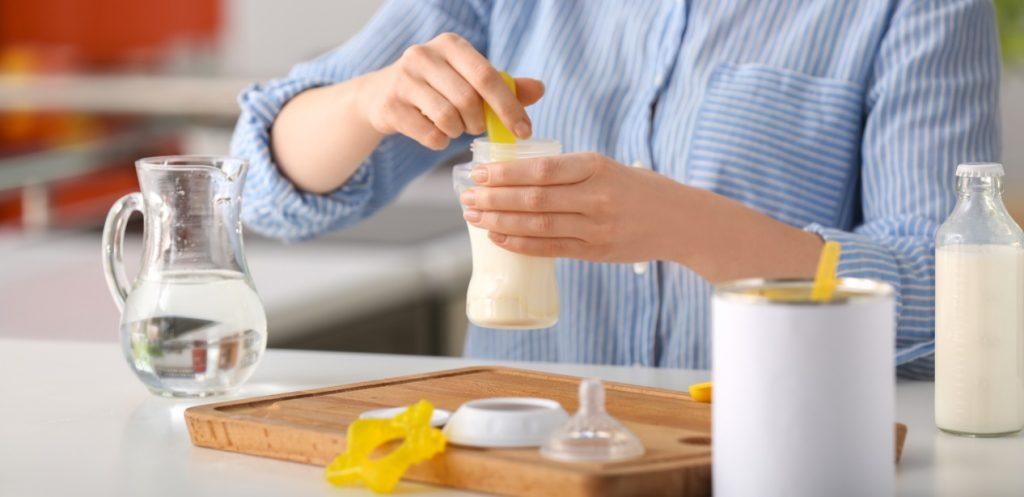8 أخطاء تجنبيها عند تحضير الحليب الصناعي