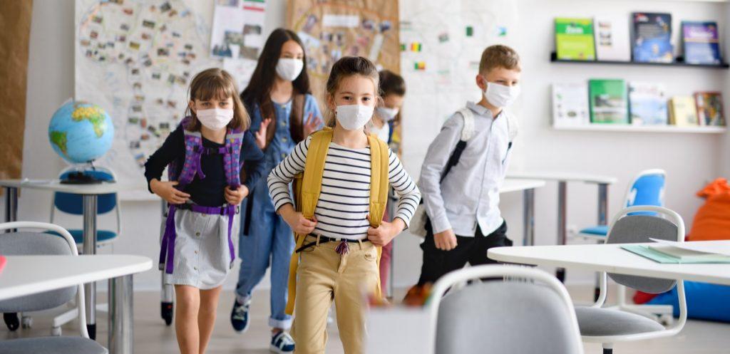 كيف تؤثر الكمامة في صحة طفلك؟ وقواعد اختيار الكمامة الصحيحة للأطفال