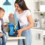 كيف أساعد طفلي على العودة إلى المدرسة بعد فترة التعليم عن بعد؟