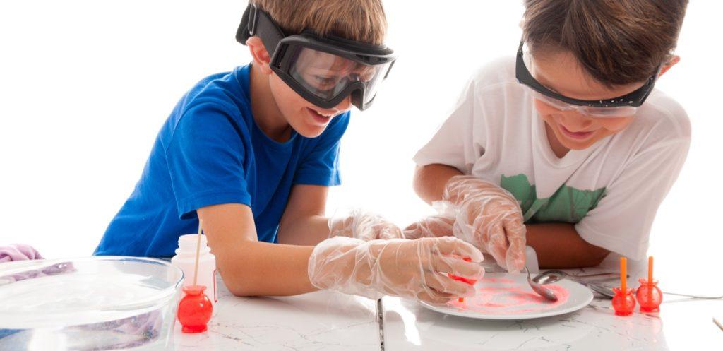 تجارب علمية ممتعة للأطفال في البيت